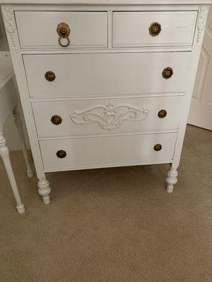 Vintage dresser and nightstand for Sale in Sammamish, WA