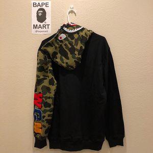 Bape shark hoodie camo black (fits like medium/large) for Sale in Los Angeles, CA