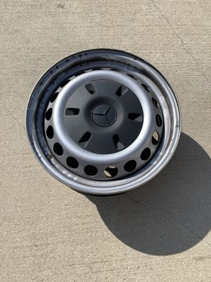 Mercedes Sprinter 2019 wheels with hub caps no sensors with only 1000 miles on them. for Sale in Costa Mesa, CA