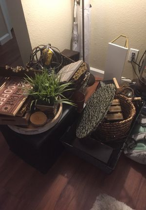 House Decor/Baskets/Shelving for Sale in Vista, CA