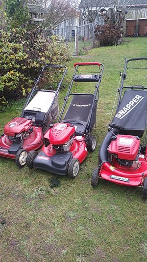 Three lawn mowers for sale for Sale in Lakewood, WA