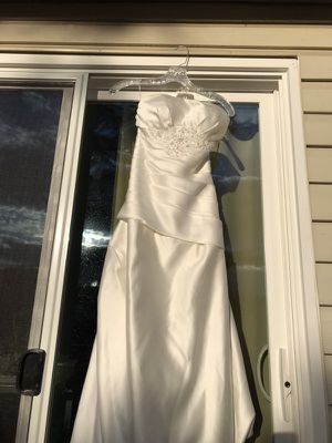 Size 0 wedding dress for Sale in Centreville, VA
