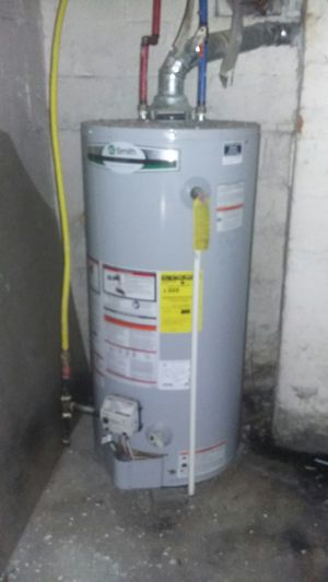 Smith 40 gallon water heater for Sale in Columbus, OH