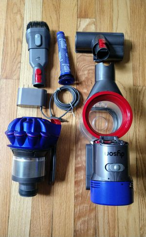Dyson v7 Trigger pro cordless vacuum for Sale in Severna Park, MD