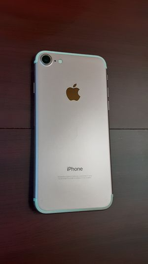 iphone 7 Unlocked 32gb for Sale in Columbia, SC