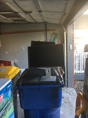 Two dell monitors 2015 for Sale in Baldwinsville, NY
