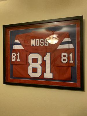 Randy moss throwback patriots jersey $275 obo for Sale in El Mirage, AZ