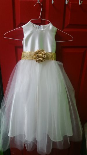 Flower Girl Dress. Beige Color Size 5-6 for Sale in Raleigh, NC