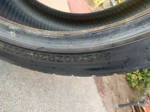 245/40ZR20 tire for sale for Sale in Fresno, CA
