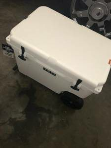 Yeti haul cooler sale for Sale in Hastings, MI