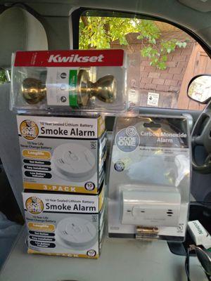 Smoke detectors, carbon monoxide detector, door knob for Sale in Milwaukee, WI