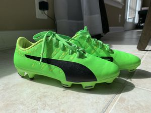 Puma boys soccer cleats neon green size 3C for Sale in West Springfield, VA