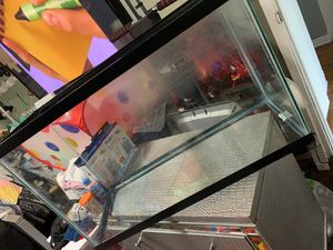 20 gallon tank , fish food , filter cartridge, water conditioner for Sale in Los Angeles, CA