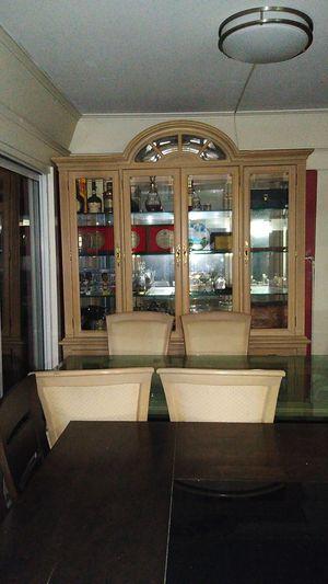 Livingroom dresser cabinet for Sale in Los Angeles, CA