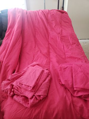 Twin Pink Comforter with Sheets for Sale in Menifee, CA