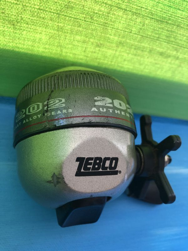 ZEBCO FISHING REEL 202 PRECISION DIE CAST ALLOY GEAR