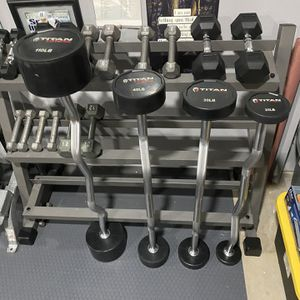 TITAN FITNESS 110 LB EZ CURL RUBBER FIXED BARBELL for Sale in San Antonio, TX
