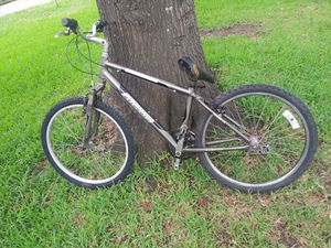 """Specialized expedition bike 26"""" for Sale in Houston, TX"""