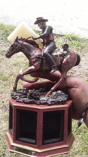 John Wayne Statue Zippo Display. for Sale in Grand Prairie, TX