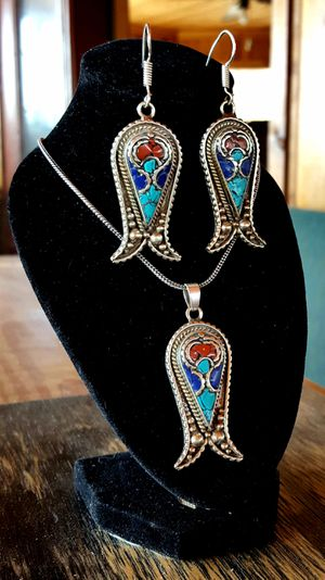 Beautiful Southwest style natural turquoise lapis and coral silver pendant and earrings set, with free chain! for Sale in Huntington, TX