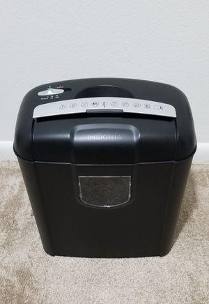 Insignia 6-Sheet Crosscut Shredder for Sale in Cincinnati, OH