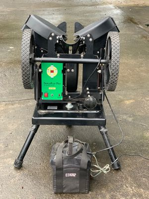 Triple Play Plus Pitching Machine (With External Battery Pack) for Sale in Kailua-Kona, HI