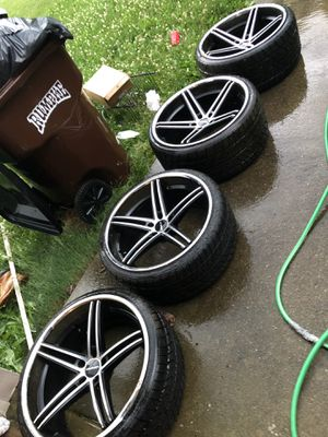 22inch lorenzo rims for Sale in Murfreesboro, TN