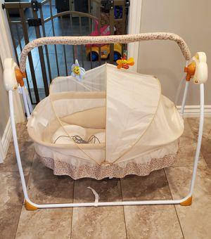 Baby Swing/ portable for Sale in Ontario, CA