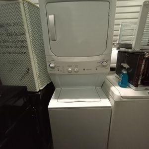 """GE STACKABLE WASHER AND DRYER SET WITH KING SIZE LOAD CAPACITY 27 """" for Sale in Golden, CO"""