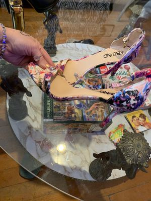 Floral heels size 6 for Sale in St. Petersburg, FL