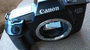 Canon EOS 650 film camera (body only) for Sale in Tampa, FL