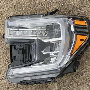 2020 GMC SIERRA 1500 LEFT HEADLIGHT FULL LED for Sale in Dallas, TX