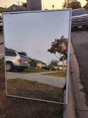 Free mirror for Sale in Hawthorne, CA
