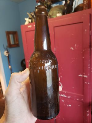 VERY RARE 1911-1919 Auto City Brewing Co bottle from Detroit Michigan for Sale in Columbus, OH