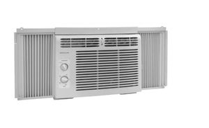 Used Frigaire AC Unit for Sale in Beverly Hills, CA