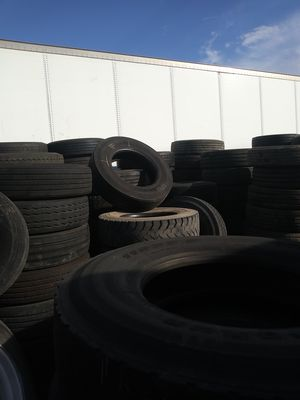 11R 22.5 truck tire for Sale in Fort Lauderdale, FL