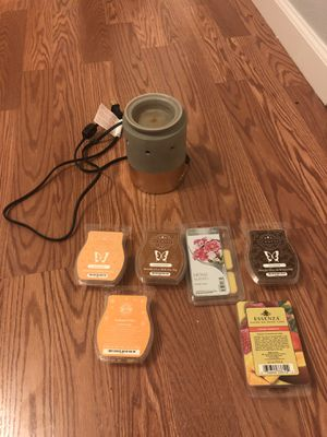Scentsy warmer and wax for Sale in Las Vegas, NV