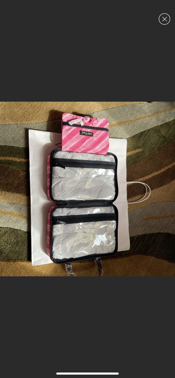 Victoria's Secret Travel bag (Kyle TX)