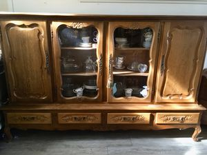 Horizontal China cabinet for Sale in Rialto, CA