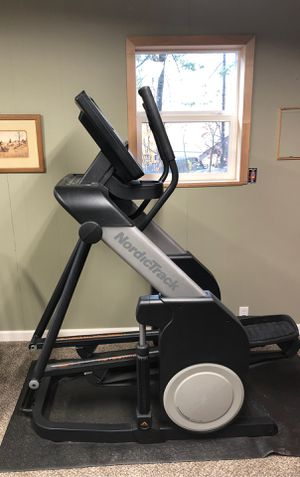 NordicTrack Freestride Trainer FS7i for Sale in Leavenworth, WA