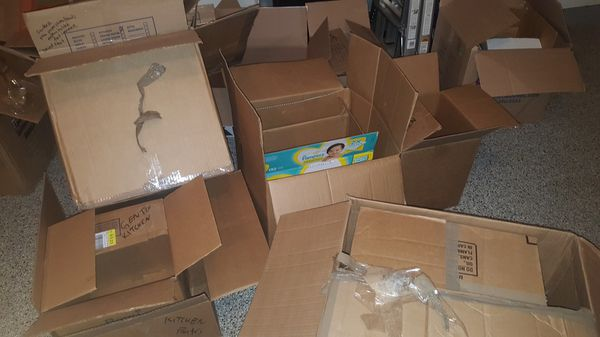 Free moving boxes and packing material! Sterling VA