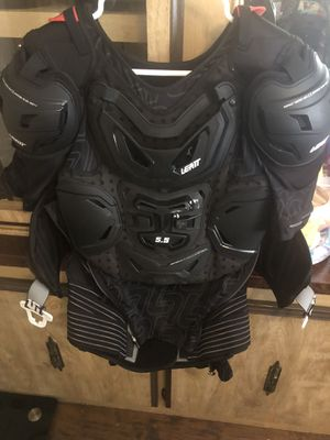5.5 Leat street bike vest with pads for Sale in Escondido, CA
