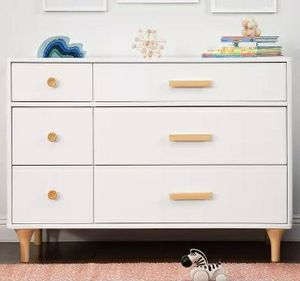"""Pretty brand new 6 drawer double dresser 47.25"""" in white also perfect for a TV stand for Sale in Boca Raton, FL"""