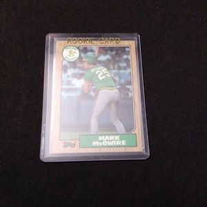 1987 Topps Baseball MARK MCGWIRE RC Rookie #366 Oakland Athletics for Sale in Redmond, WA