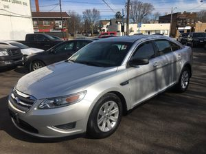 2010 Ford Taurus for Sale in Cleveland, OH