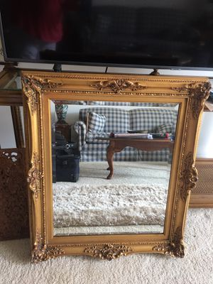 NICE MIRROR 27 W31 H for Sale in Lisle, IL