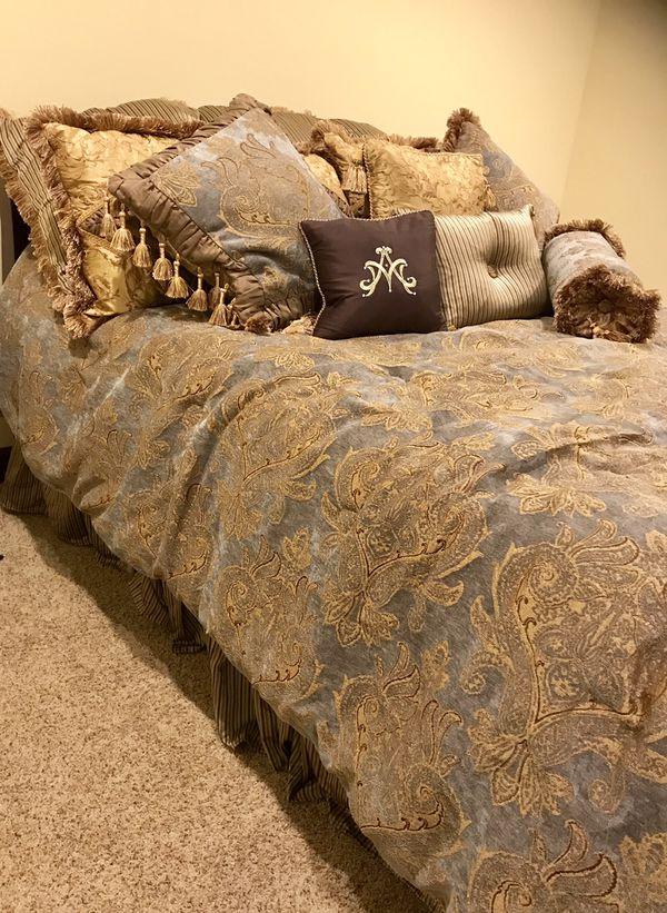 Bedding/comforter set
