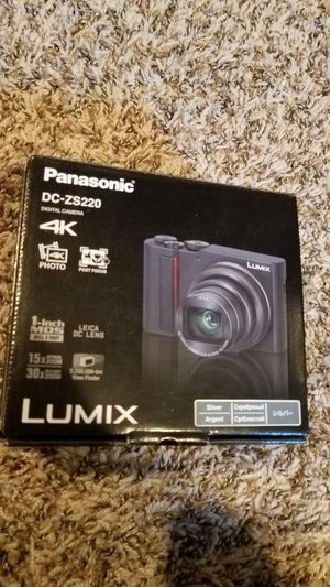 Panasonic Lumix DC-ZS200 NEW 4K Digital Camera, 20.1 MP 1-Inch Sensor for Sale in Citrus Heights, CA