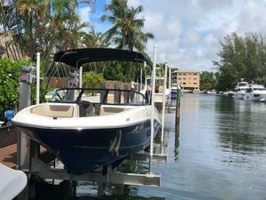 Boat Bayliner 2017 - 26hrs for Sale in North Miami Beach, FL