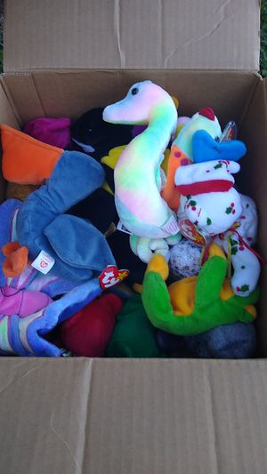 Beanie babies both big and small from 1994 to 2000 for Sale in Vancouver, WA